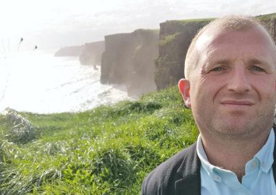 Eamonn Selfie Cliffs of Moher
